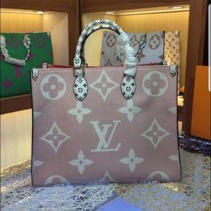 Louis Vuitton 17 x 11 x 5